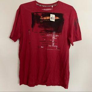 NWT GUESS T-shirt